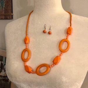 🆕☀️4/$15 Orange Necklace & Earrings